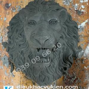 phù điêu đầu sư tử đúc xi măng, đầu sư tử phun nước xi măng