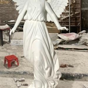 tượng thiên thần có cánh